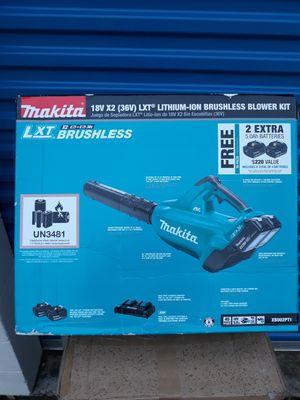 Makita XBU02PT1 18V X2 (36V) Blower Kit with 4 batteries. for Sale in Murphy, TX