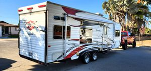 2007 Weekend Warrior FS2500 Superlite Toy hauler rv camper trailer for Sale in Chula Vista, CA