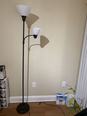 Floor lamp 💡💖ASK FOR PRICE for Sale in Miami, FL