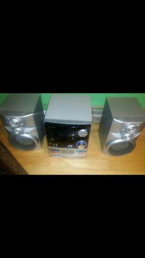 5 disc changer 300watts for Sale in Alexandria, VA