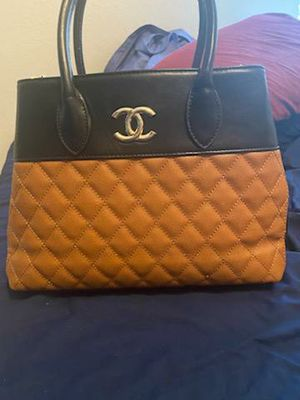 Chanel hand bag for Sale in Manor, TX