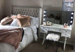 Vanity Mirror w/ Light! for Sale in Chandler, AZ