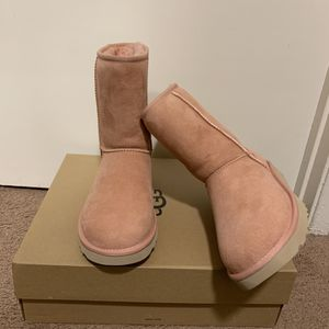 100% Authentic Brand New in Box UGG Classic Short Boots / Women size 6 and Women size 7 / Color: La Sunshine for Sale in Walnut Creek, CA