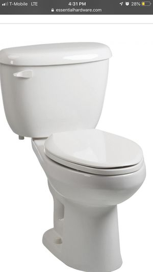 Briggs toilet brand new with seat for Sale in US