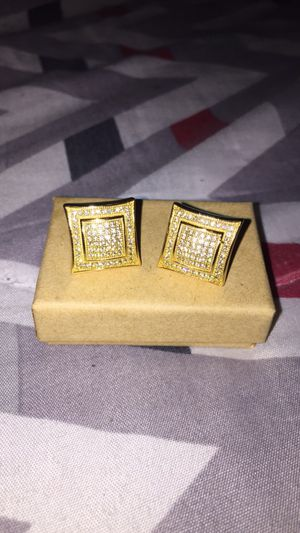 18k Yellow Gold High Quality 925 Sterling Silver Square Stud Earrings for Sale in Detroit, MI