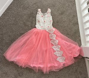 Girls Quinceanera net tulle gown for Sale in Clearwater, FL
