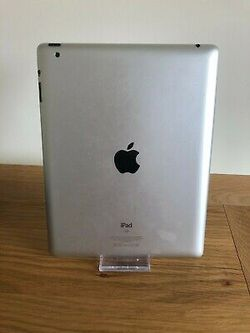 """Apple iPad -3 // 9.7inch (Wi-fi with Interest access) Excellent Condition,""""as LikE neW"""" for Sale in Springfield,  VA"""