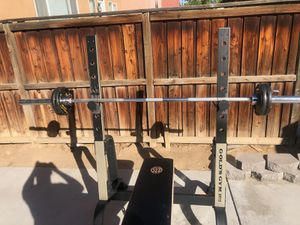 Golds gym olympic weight bench for Sale in Perris, CA