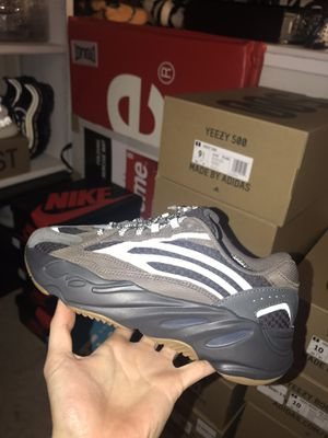 Adidas Yeezy 700 Geode for Sale in Fairfax, VA