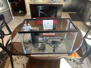 10 gallon fish tank with heater and pump . Good starter kit for Sale in Glen Burnie, MD