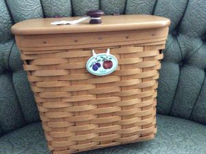 Longaberger mailbox Basket for Sale in Louisville, KY