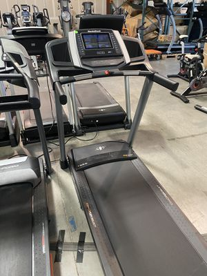 """NordicTrack T6.5si Treadmill with 10"""" screen for Sale in Peoria, AZ"""