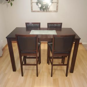 Wood And Leather Kitchen Table for Sale in Bonney Lake, WA