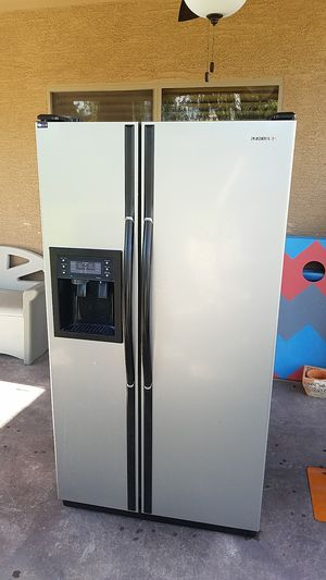 Samsung refrigerator for Sale in Phoenix, AZ