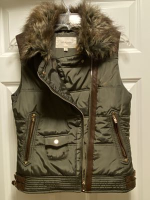 Beautiful Small size women's vest for Sale in Everett, WA