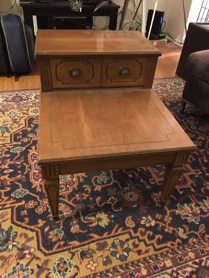 Wood end table with one sliding drawer. for Sale in Chicago, IL