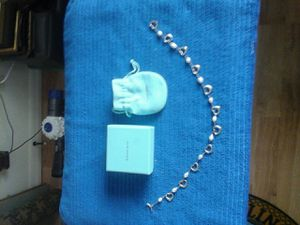 Tiffany & Company Necklace signed by Elsa Perrti 11 Pearls 11 Open Hearts Toggle MINT for Sale in North Port, FL