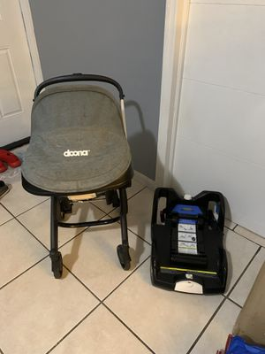 Doona car seat and stroller included base $325 for Sale in Miami, FL
