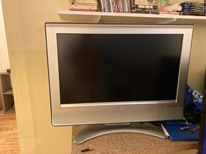 Sharp 720p hd tv 32 inch for Sale in Austin, TX