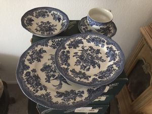 Brand new Johnson bros England plate settings 5 sets total pieces 25 was $400 now 1st. $200 takes all for Sale in Las Vegas, NV