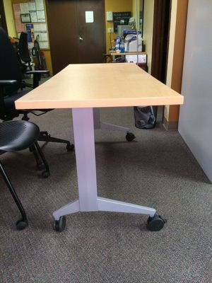 Rolling Desk w Steelcase Chairs for Sale in Chamblee, GA