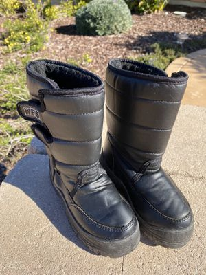 Snow Boots Kids Size 13 for Sale in Lemon Grove, CA