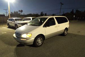 2000 Toyota Sienna XLE for Sale in Fremont, CA