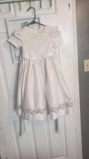 Flower girl dress for Sale in Woodstock, GA