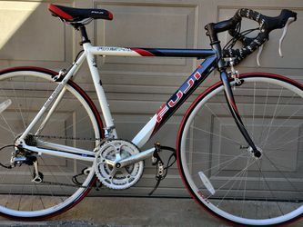 Fuji Finest AL Road Bike / Bicycle for Sale in Plano,  TX