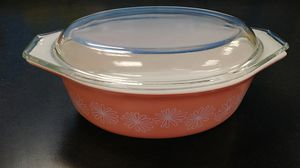 Vintage Pink Daisy Oval Pyrex 043 With Lid for Sale in Chesapeake, VA