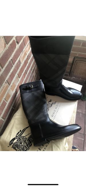 Burberry Rainboots for Sale in Detroit, MI
