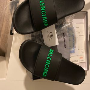 Balenciaga Size US 11 (45) New for Sale in Miami, FL