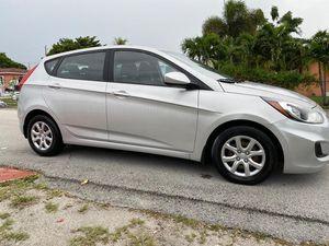 Hyundai Accent 2013 for Sale in Miami, FL