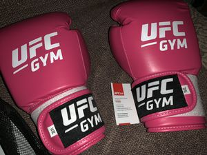 UFC sparring gloves for Sale in Monrovia, CA