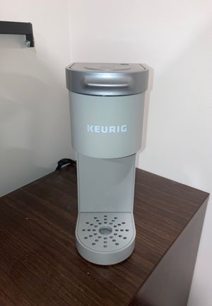 KEURIG MINI PLUS SINGLE coffee machine for Sale in Tampa, FL