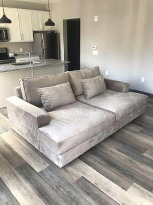 Bailey Deep Sofa for Sale in Columbus, OH