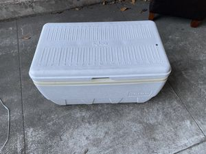 Igloo cooler for Sale in San Mateo, CA