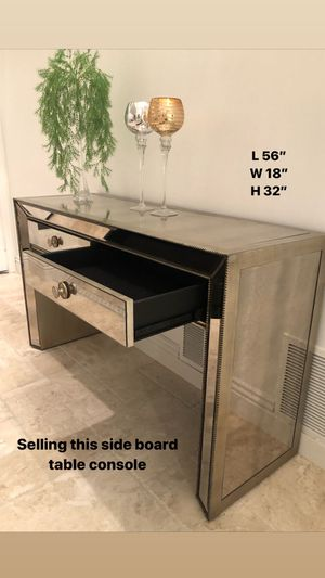 Side board table for Sale in Mission Viejo, CA