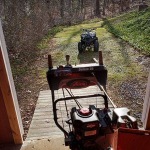 """2017 Aaron's 28"""" Deck Heated Hand Grips Head Light. for Sale in Guilford, CT"""
