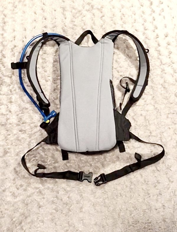 CamelBak LOBO 2L backpack Paid $85. Great condition! Comes with a 2L Omega Reservoir. It has a pull-out drinking tube that recesses back into the bac