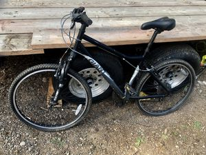 Giant mountain bike. for Sale in Gresham, OR