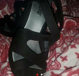 Never worn brash sandals 15 dollars for Sale in El Dorado, AR