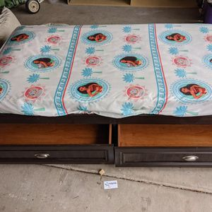Free Twin Bed With Drawers And Mattress x2 for Sale in Chandler, AZ