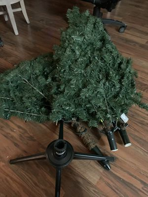 6.5 foot Christmas tree 15$ for Sale in Henderson, NV