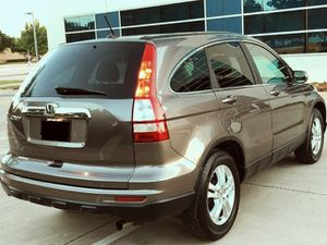 SELLING HONDA CRV 2010 NEW BREAKS AND TIERS ONE ADULT OWNER for Sale in St. Louis, MO