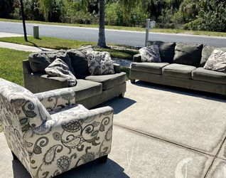 Gray Couch And Loveseat With Chair -Free Delivery for Sale in Ruskin,  FL