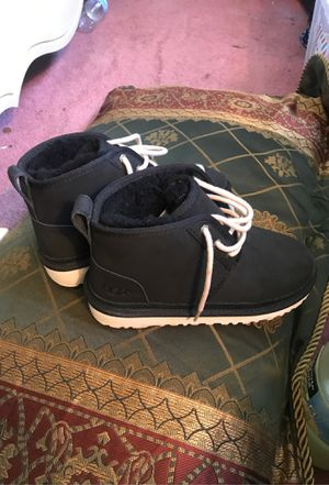 Uggs brand new wo box boys size 3 for Sale in Detroit, MI