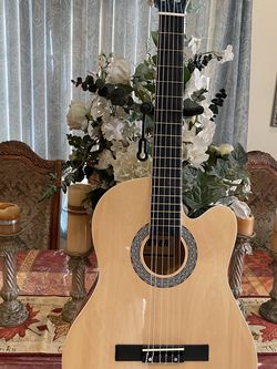 natural fever classic acoustic guitar for Sale in Bell Gardens,  CA