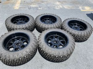 """37"""" JEEEP WHEELS AND TIRES for Sale in North Miami, FL"""