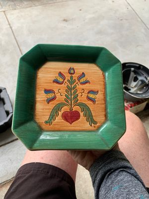 Pennsbury pottery wall plant holder for Sale in Billerica, MA
